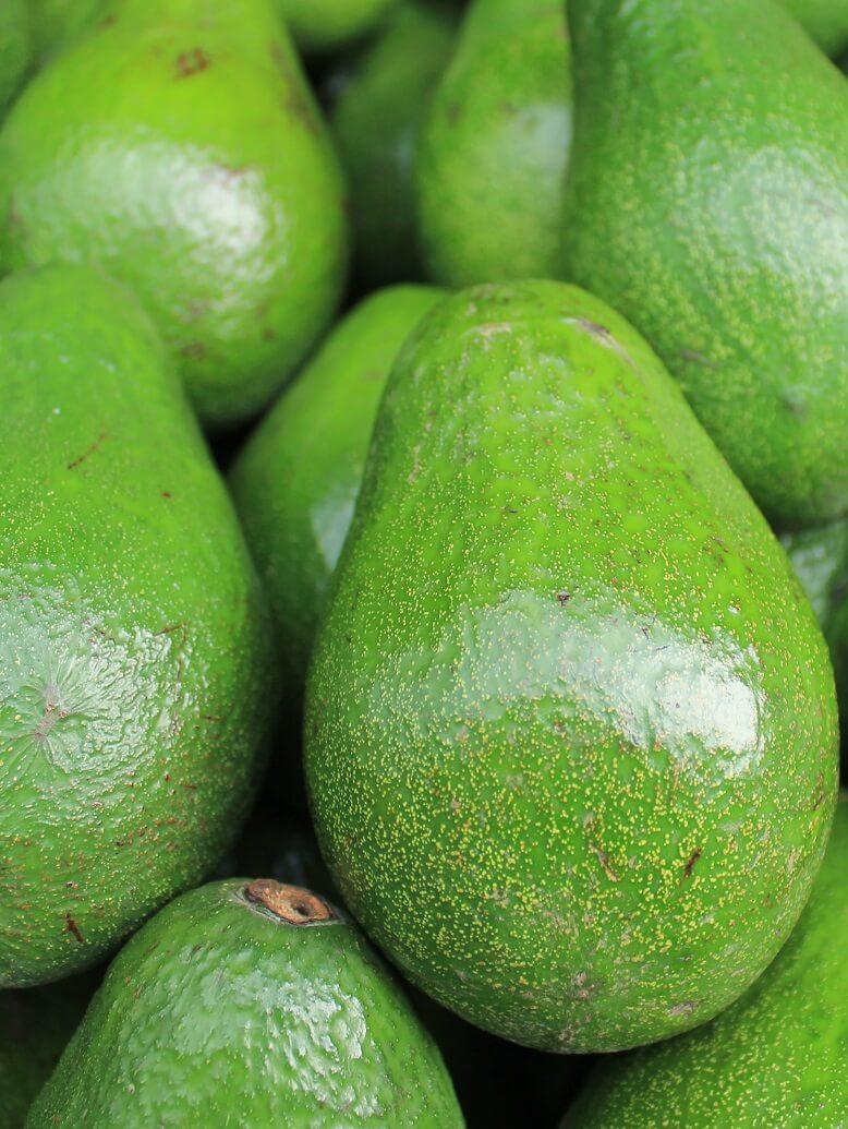 Avocados stecken voller gesunder Fette für eine schöne Haut